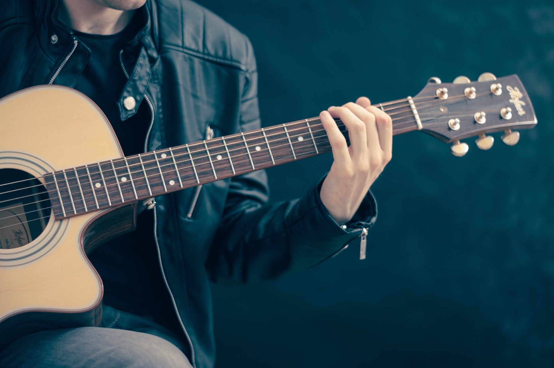 How to Hire Freelance Composer, Arranger, Audio Engineer or Musician